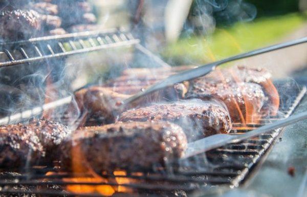 קייטרינג על האש – מדוע משתלם להזמין קייטרינג בשרי לאירועים